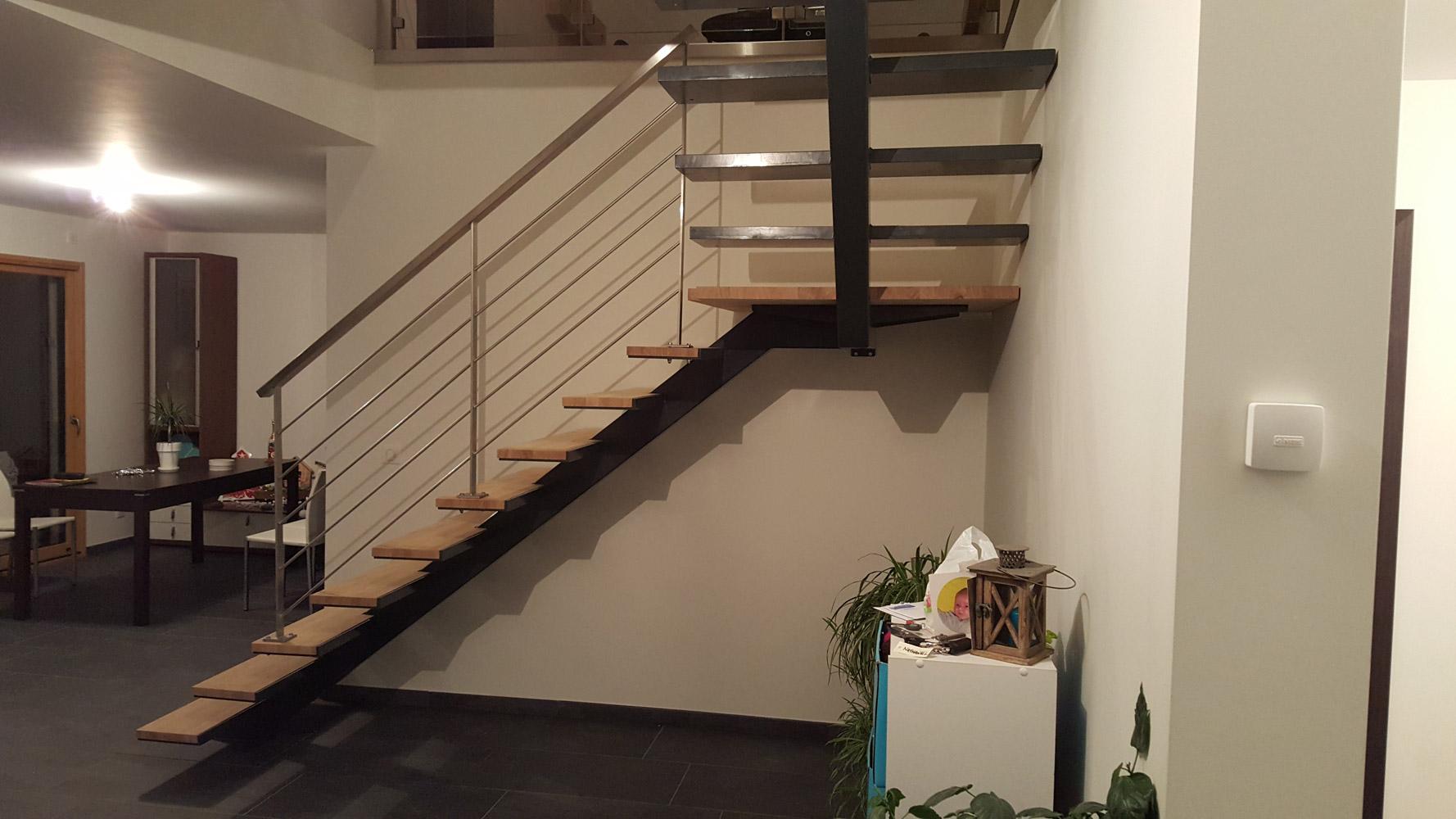 escalier demi tournant avec palier cheap escalier droit quart tournant avec palier with. Black Bedroom Furniture Sets. Home Design Ideas