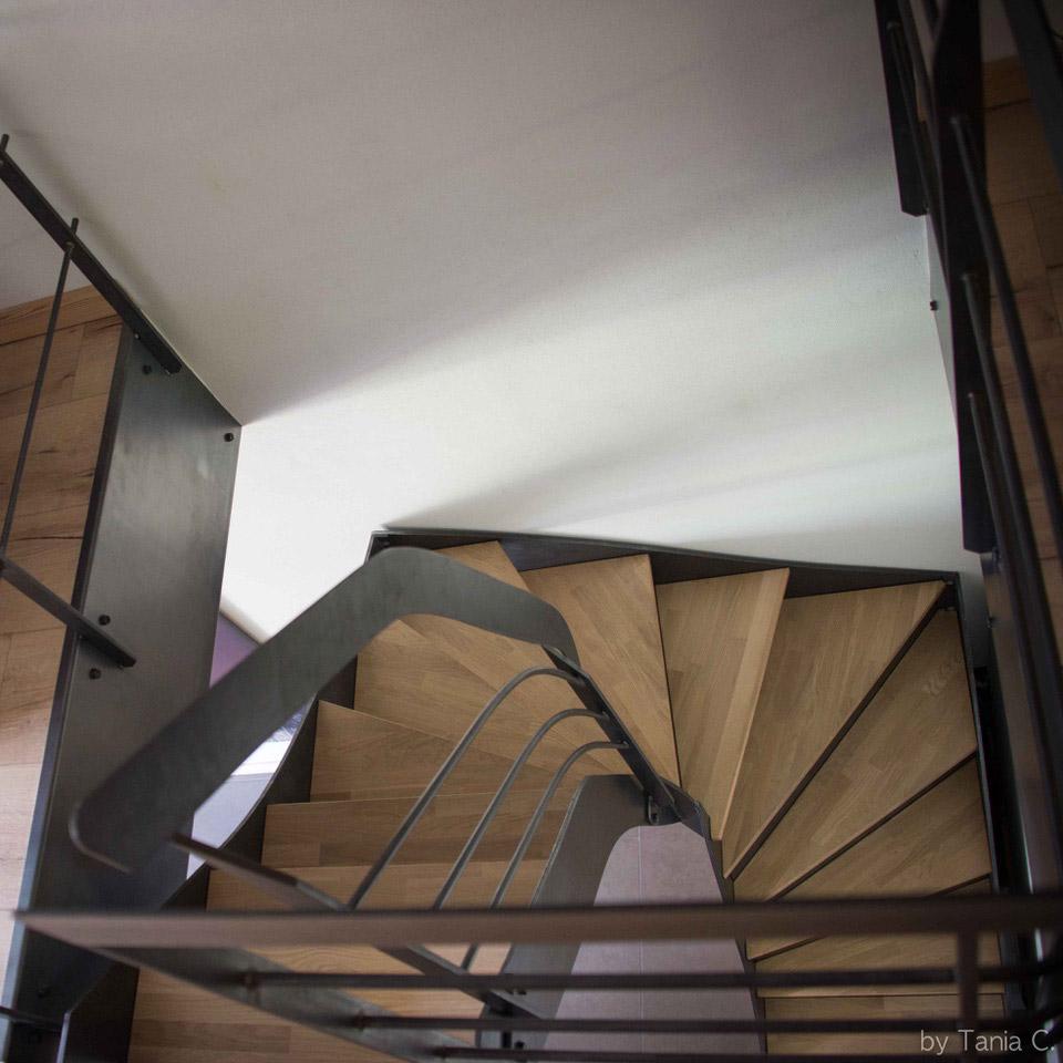 escalier 3 4 tournant finest amenagement dessous escalier photo amenagement sous escalier. Black Bedroom Furniture Sets. Home Design Ideas